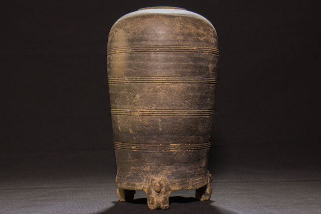 VASE - HAN DYNASTY - CHINA - 2nd CENT. B.C. - 1st CENT. A.D.